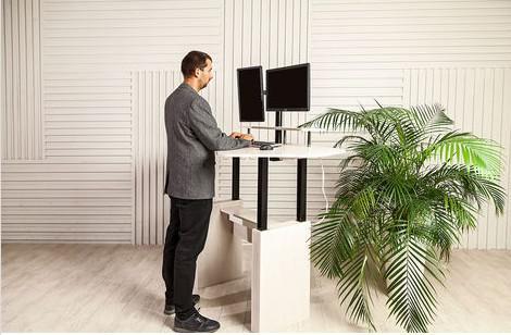 Стол-трансформер для работы стоя/сидя